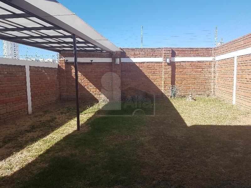 Casa en renta gran jardin le n 3 habitaciones 16k for Casas en renta en gran jardin leon gto