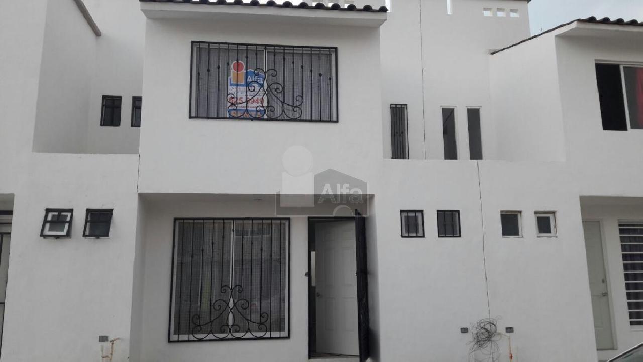 Casa en renta valle real irapuato 3 habitaciones 4k for Casas en renta en irapuato