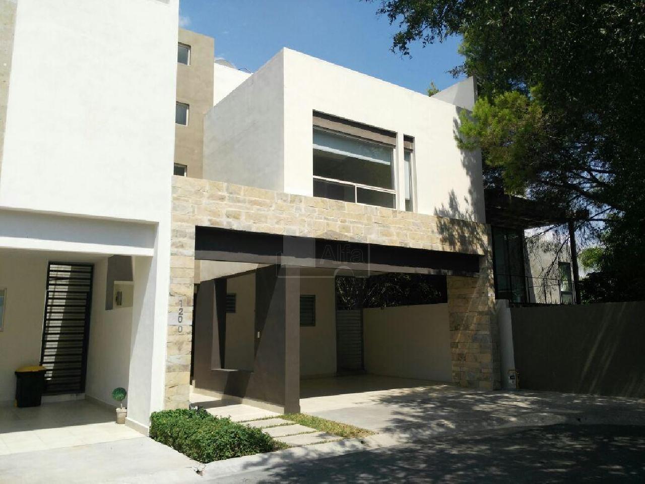 Casa en renta villas la rioja monterrey 3 habitaciones for Casas en renta monterrey